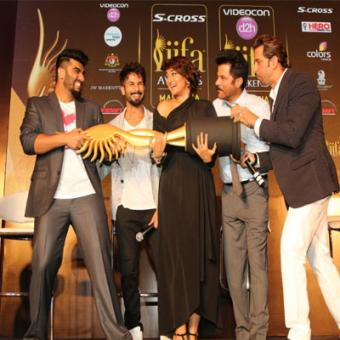 https://www.indiantelevision.com/sites/default/files/styles/340x340/public/images/tv-images/2015/06/25/iifa.jpg?itok=5mWvtFZW