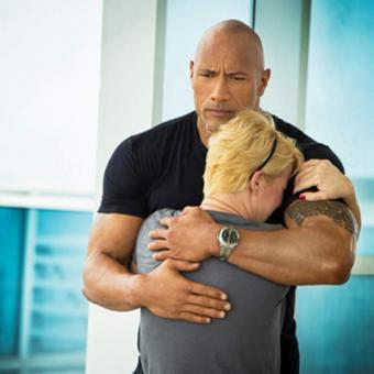 https://www.indiantelevision.com/sites/default/files/styles/340x340/public/images/tv-images/2015/08/13/Dwayne%20Johnson.jpg?itok=FpzA24bZ