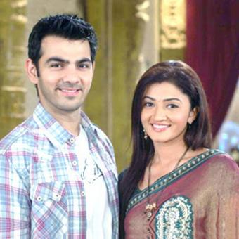 http://www.indiantelevision.com/sites/default/files/styles/340x340/public/images/tv-images/2015/09/21/Untitled-1_18.jpg?itok=2YjxPN47