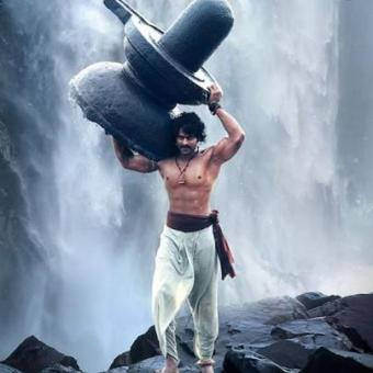 http://www.indiantelevision.com/sites/default/files/styles/340x340/public/images/tv-images/2015/10/01/Baahubali_poster.jpg?itok=EkLI4l9f