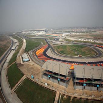 https://www.indiantelevision.com/sites/default/files/styles/340x340/public/images/tv-images/2015/10/20/Buddh%20International%20Circuit.jpg?itok=lSLe2BMO