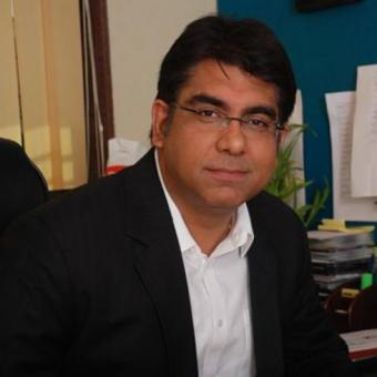 https://www.indiantelevision.com/sites/default/files/styles/340x340/public/images/tv-images/2015/11/02/deepak-dhar_0.jpg?itok=IUFtN_fv