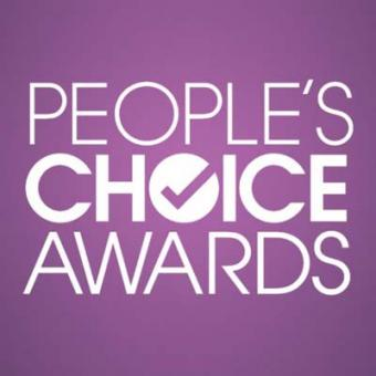 https://www.indiantelevision.com/sites/default/files/styles/340x340/public/images/tv-images/2015/12/28/People%27s%20Choice%20Awards.jpg?itok=Dy05VREx