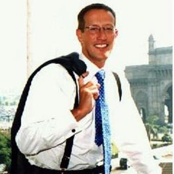 https://www.indiantelevision.com/sites/default/files/styles/340x340/public/images/tv-images/2016/02/04/Richard-Quest.jpg?itok=sZompIdX