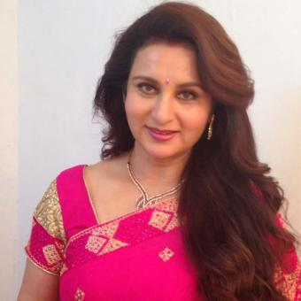 https://www.indiantelevision.com/sites/default/files/styles/340x340/public/images/tv-images/2016/05/17/Poonam-Dhillon.jpeg?itok=usy-0FGh