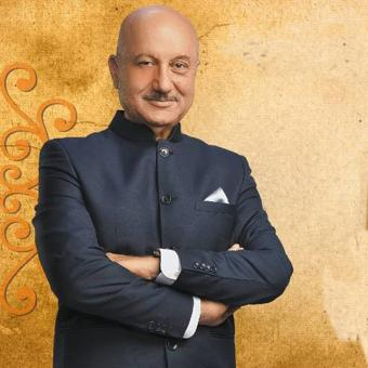 https://us.indiantelevision.com/sites/default/files/styles/340x340/public/images/tv-images/2016/08/19/ANUPAMKHER%281%29.jpg?itok=DYezpgAS