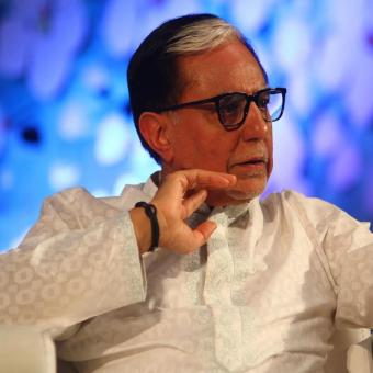 http://www.indiantelevision.com/sites/default/files/styles/340x340/public/images/tv-images/2016/11/03/SubhashChandra-800x800.jpg?itok=Fn9391Y-