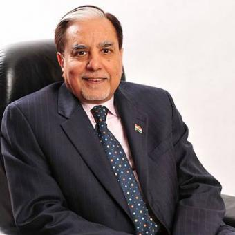 https://www.indiantelevision.com/sites/default/files/styles/340x340/public/images/tv-images/2016/11/23/subhash-chandra-800x800_0.jpg?itok=BVocex0_