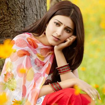 http://www.indiantelevision.com/sites/default/files/styles/340x340/public/images/tv-images/2017/01/17/Shruti-hasan-800x800.jpg?itok=1cBPU8k0