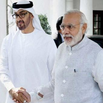 https://www.indiantelevision.com/sites/default/files/styles/340x340/public/images/tv-images/2017/01/27/Sheikh%20Mohammed%20bin%20Zayed%20Al%20Nahyan%20and%20modi-800x800.jpg?itok=pEwM1dFa