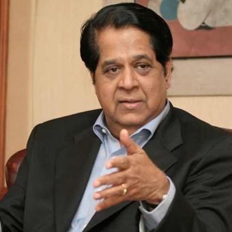 https://www.indiantelevision.com/sites/default/files/styles/340x340/public/images/tv-images/2017/01/30/kv-kamath.jpg?itok=6BMJcl-G
