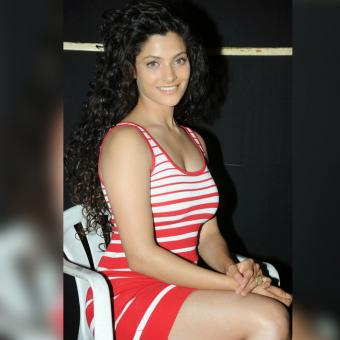 https://www.indiantelevision.com/sites/default/files/styles/340x340/public/images/tv-images/2017/02/03/Saiyami-Kher-800x800.jpg?itok=AnKEBk8c