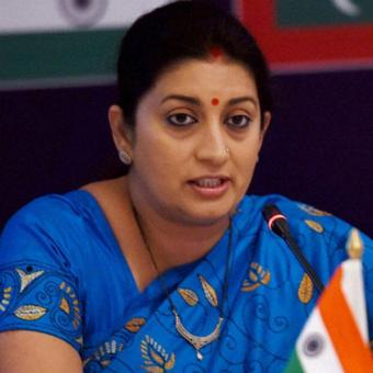 https://www.indiantelevision.com/sites/default/files/styles/340x340/public/images/tv-images/2017/10/05/smriti%20irani%20%283%29.jpg?itok=7NZBlqFr