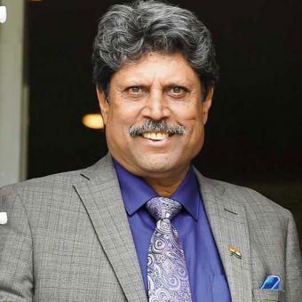 https://www.indiantelevision.com/sites/default/files/styles/340x340/public/images/tv-images/2017/10/06/kapil-dev.jpg?itok=K1x-JhEk