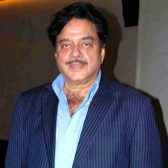 https://www.indiantelevision.com/sites/default/files/styles/340x340/public/images/tv-images/2017/10/18/Shatrughan_Sinha.jpg?itok=lxRN4Zb2