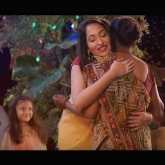 https://www.indiantelevision.com/sites/default/files/styles/340x340/public/images/tv-images/2017/10/23/Diwali_ad1.jpg?itok=jknipOlJ