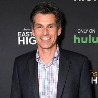 https://www.indiantelevision.com/sites/default/files/styles/340x340/public/images/tv-images/2017/10/26/Mike_Hopkins.jpg?itok=BrW-S0Rx