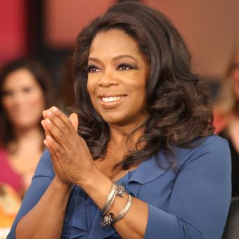 https://www.indiantelevision.com/sites/default/files/styles/340x340/public/images/tv-images/2017/12/05/Oprah_Winfrey.jpg?itok=HdK3HXYB