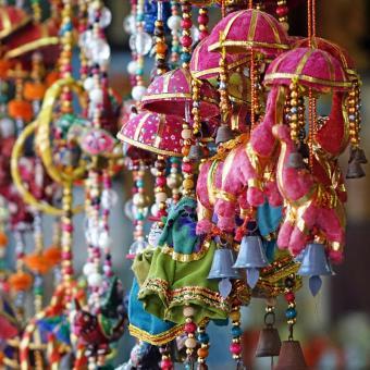 http://www.indiantelevision.com/sites/default/files/styles/340x340/public/images/tv-images/2017/12/11/Festival-Bharat_0.jpg?itok=hZUqI0lj