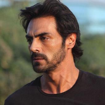 https://www.indiantelevision.com/sites/default/files/styles/340x340/public/images/tv-images/2017/12/22/Arjun-Rampal.jpg?itok=nH4S-Xjx
