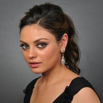 https://www.indiantelevision.com/sites/default/files/styles/340x340/public/images/tv-images/2018/01/25/Mila-Kunis.jpg?itok=TK9sWHz1