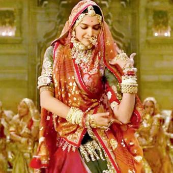 https://www.indiantelevision.com/sites/default/files/styles/340x340/public/images/tv-images/2018/02/19/padmaavat.jpg?itok=Y34xOuQS