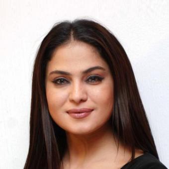https://www.indiantelevision.com/sites/default/files/styles/340x340/public/images/tv-images/2018/02/27/Veena-Malik.jpg?itok=nReNQMib
