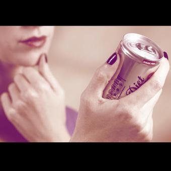 https://www.indiantelevision.com/sites/default/files/styles/340x340/public/images/tv-images/2018/03/01/Coca-Cola_800.jpg?itok=dS4qniFl