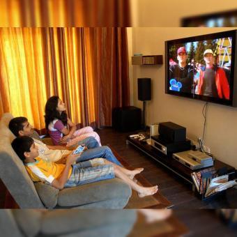 http://www.indiantelevision.com/sites/default/files/styles/340x340/public/images/tv-images/2018/03/06/ott_digital.jpg?itok=ZM9qbgGC