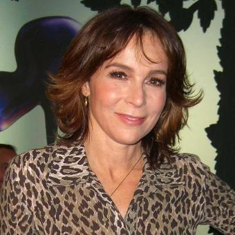 https://www.indiantelevision.com/sites/default/files/styles/340x340/public/images/tv-images/2018/04/04/Jennifer-Grey.jpg?itok=a5Pqg82V