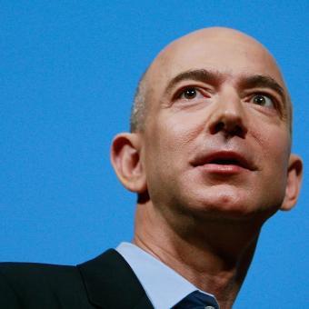 https://www.indiantelevision.com/sites/default/files/styles/340x340/public/images/tv-images/2018/04/20/Jeff_Bezos.jpg?itok=SOShpzqw