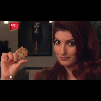 https://www.indiantelevision.com/sites/default/files/styles/340x340/public/images/tv-images/2018/05/08/Parle-Twinkle_Khanna.jpg?itok=TN2D8KnY