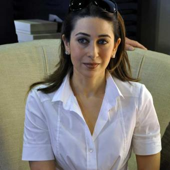 https://www.indiantelevision.com/sites/default/files/styles/340x340/public/images/tv-images/2018/05/22/Karisma-Kapoor.jpg?itok=KDUgiUBe
