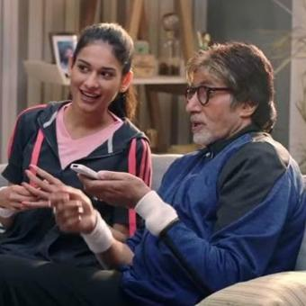 https://www.indiantelevision.com/sites/default/files/styles/340x340/public/images/tv-images/2018/06/25/bigb.jpg?itok=oKRxFQC-