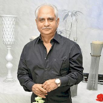 http://www.indiantelevision.com/sites/default/files/styles/340x340/public/images/tv-images/2018/07/04/Ramesh-Sippy.jpg?itok=67p95bH3