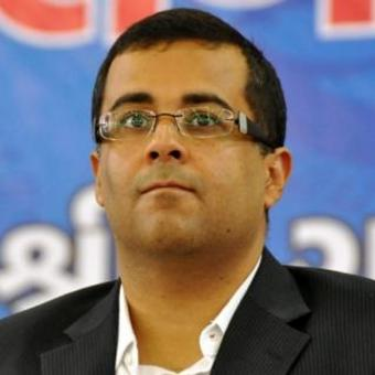https://www.indiantelevision.com/sites/default/files/styles/340x340/public/images/tv-images/2018/07/06/Chetan-Bhagat.jpg?itok=z_UyTWPr
