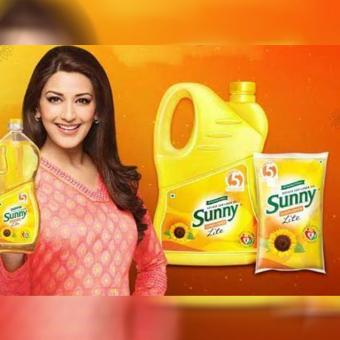 https://www.indiantelevision.com/sites/default/files/styles/340x340/public/images/tv-images/2018/07/27/sunny.jpg?itok=cNQmakE9