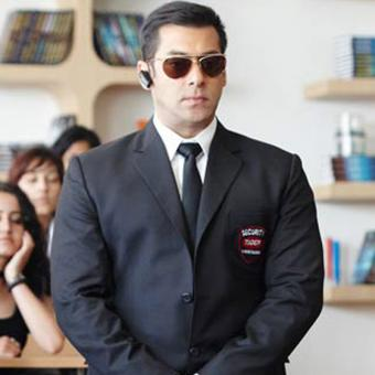 http://www.indiantelevision.com/sites/default/files/styles/340x340/public/images/tv-images/2018/10/05/Bodyguard.jpg?itok=3GESGQyg