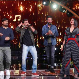 https://www.indiantelevision.com/sites/default/files/styles/340x340/public/images/tv-images/2018/10/17/zee.jpg?itok=6Cwh3Ari