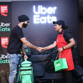 https://www.indiantelevision.com/sites/default/files/styles/340x340/public/images/tv-images/2018/10/26/Uber-Eats-and-Cafe.jpg?itok=1fznTWsz