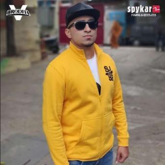 https://www.indiantelevision.com/sites/default/files/styles/340x340/public/images/tv-images/2018/10/26/spykar.jpg?itok=r8c0qFo5