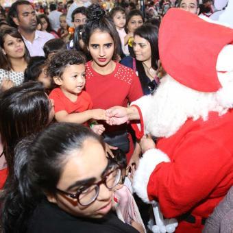 https://www.indiantelevision.com/sites/default/files/styles/340x340/public/images/tv-images/2018/12/26/christmas.jpg?itok=VGv97_Hv