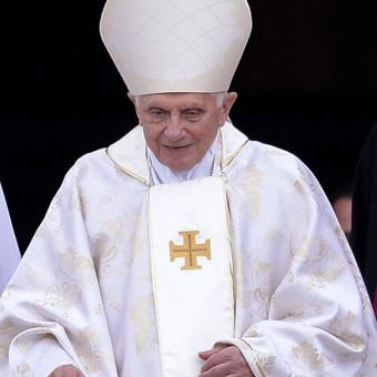 https://www.indiantelevision.com/sites/default/files/styles/340x340/public/images/tv-images/2019/02/07/Pope-Benedict-XVI.jpg?itok=6ROtOqLt
