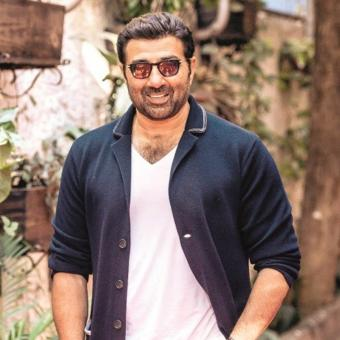 https://www.indiantelevision.com/sites/default/files/styles/340x340/public/images/tv-images/2019/02/08/Sunny-Deol.jpg?itok=UVO_bKKf