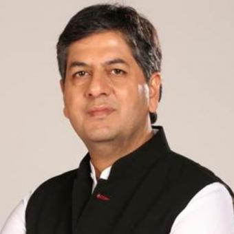 https://www.indiantelevision.com/sites/default/files/styles/340x340/public/images/tv-images/2019/02/08/Vikram-Chandra.jpg?itok=W7Lm6XKb