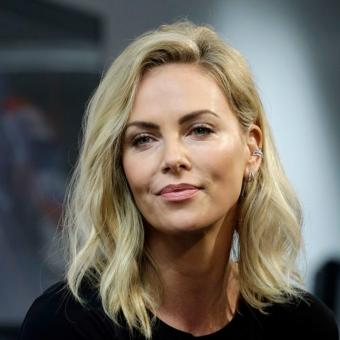 https://www.indiantelevision.com/sites/default/files/styles/340x340/public/images/tv-images/2019/03/11/Charlize-Theron.jpg?itok=JcrPDNVU