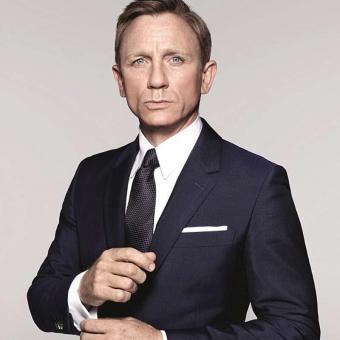 https://www.indiantelevision.com/sites/default/files/styles/340x340/public/images/tv-images/2019/04/10/James-Bond.jpg?itok=EHsBf1i0