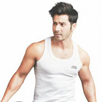 https://www.indiantelevision.com/sites/default/files/styles/340x340/public/images/tv-images/2019/04/16/varun-dhwana.jpg?itok=FQfdR0dr