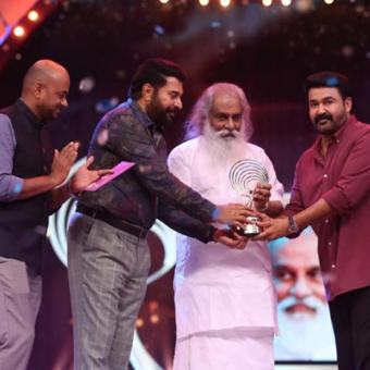 https://www.indiantelevision.com/sites/default/files/styles/340x340/public/images/tv-images/2019/05/15/awards.jpg?itok=3awIyXj0