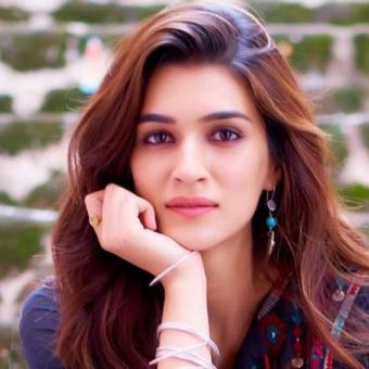 https://www.indiantelevision.com/sites/default/files/styles/340x340/public/images/tv-images/2019/08/22/kirti_0.jpg?itok=RobYnCTj